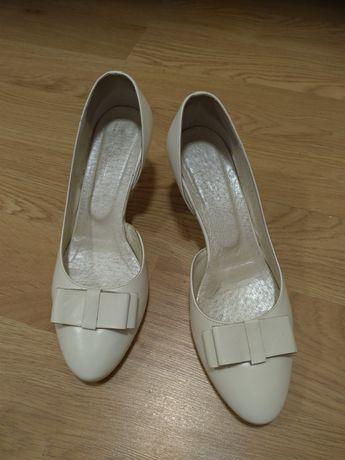 Buty ślubne Kotyl, kolor ecru