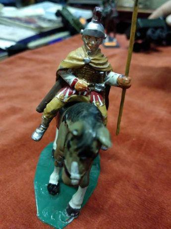 игрушка Оловянный солдатик всадник Римлянин Италия