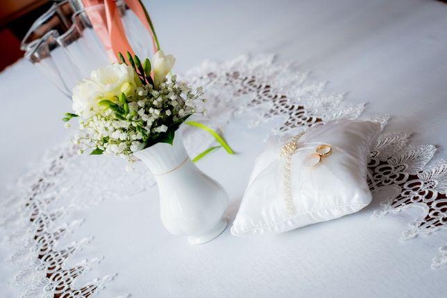 Piekna BIAŁA poduszka na obrączki, perełki, tiul