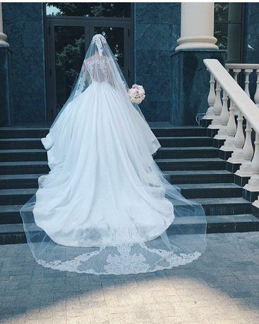 Королевское свадебное платье (фирмы Royal)