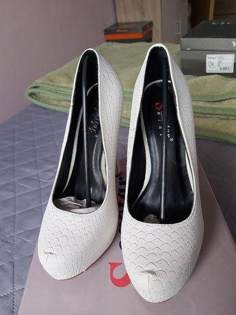 Buty ślubne r. 38