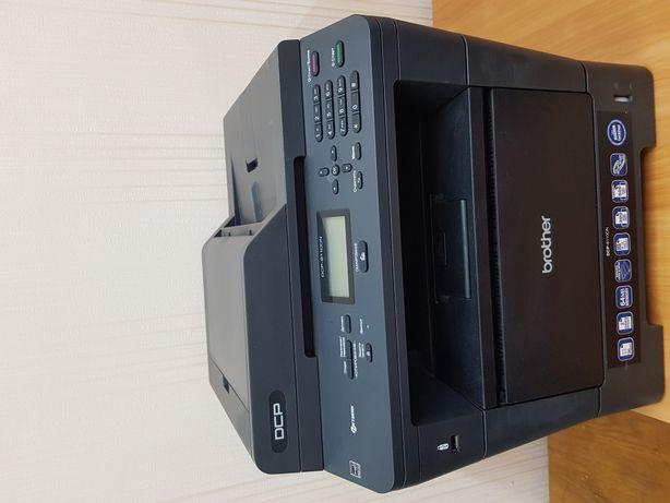 Продам монохромный, лазерный МФУ Brother DCP-8110DN