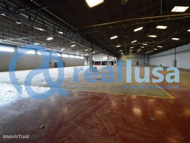 Armazém Industrial de 5.147 m2 em Paredes