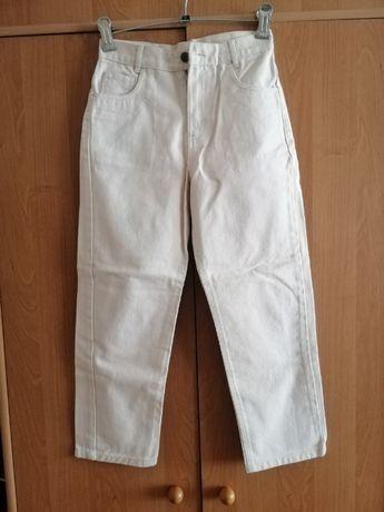 СНИЖЕНА ЦЕНА! Продам новые детские джинсы бежевого цвета, 8-9 лет