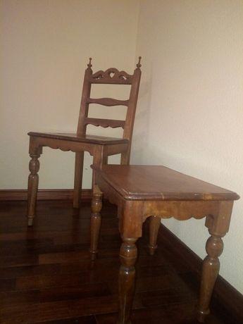 Cadeira e banco antigos