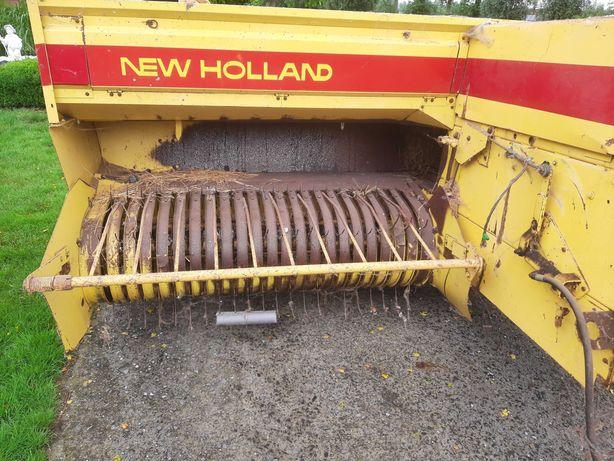 Prasa New Holland 940