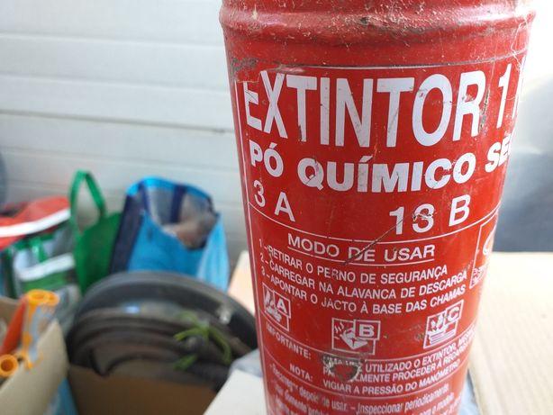 Extintor de pó  químico
