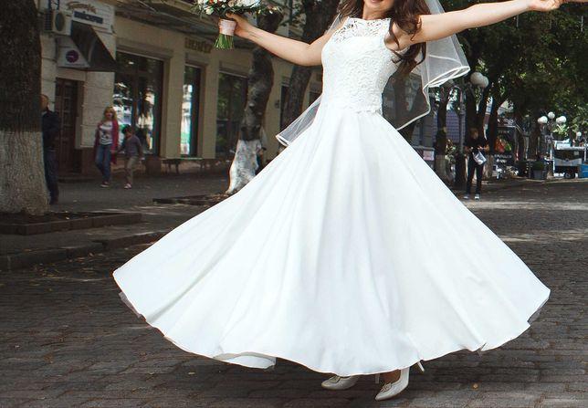 Свадебное платье . Выпускное платье