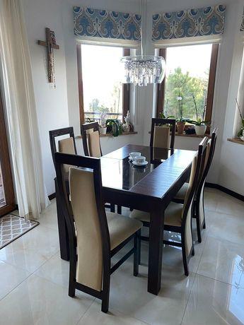 Stół i krzesła plus zestaw mebli