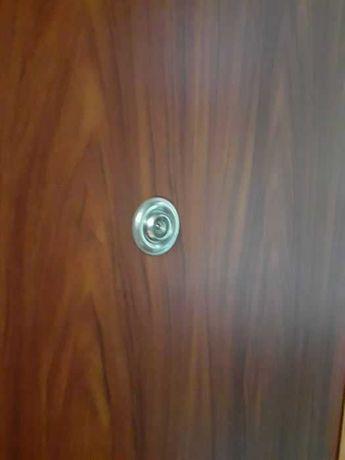 Drzwi do mieszkania 80 lewe