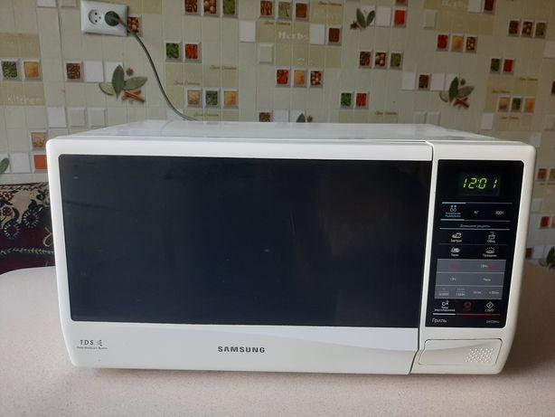 Микроволновая печь SAMSUNG GW732KU