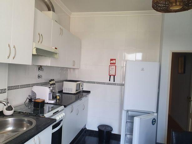 Aluga-se apartamento mobilado e equipado em Lisboa