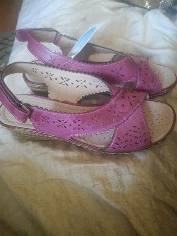 Sandały damskie Damart