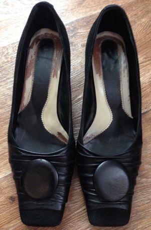 Туфли 37 размер (замш + кожа) отдам даром