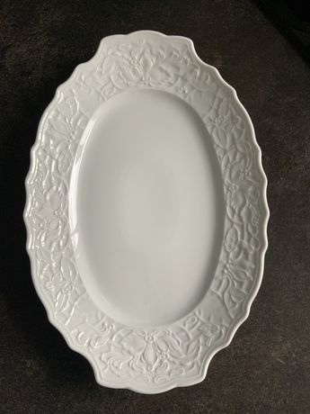 Блюдо винтажное белое, кружевной фарфор