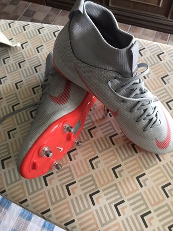 Chuteiras Nike 38.5