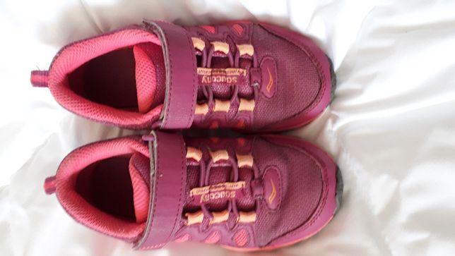 Кроссовки на девочку Saucony оригинал, размер 28