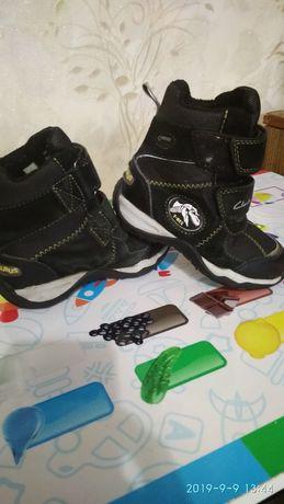 Сапоги зимние сапожки ботинки clarks 24р. ботиночки обувь на мальчика