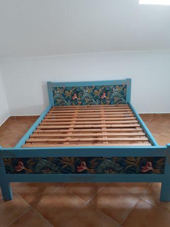 Cama de casal restaurada