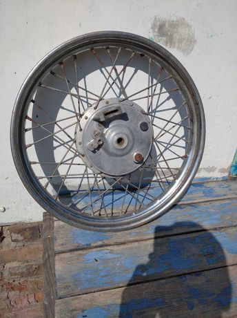 Минск 12В колесо переднее с барабаном и колодками