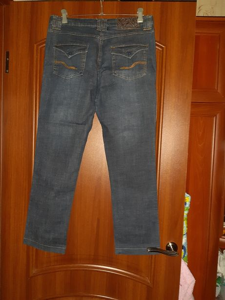 Продаю женские джинсы