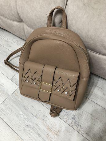 Жіноча сумка. Рюкзак