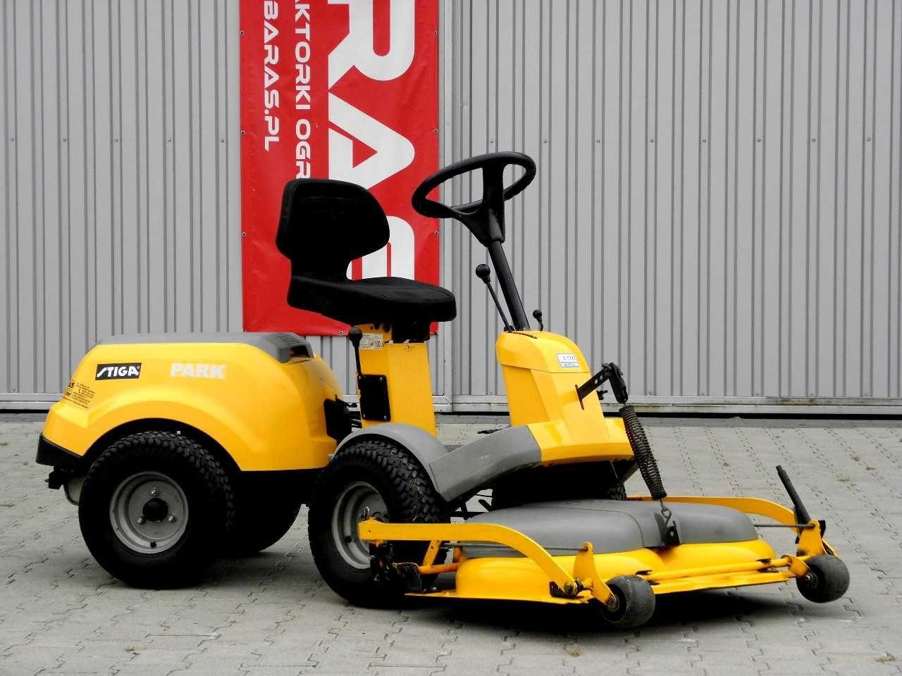 Traktorek kosiarka STIGA PARK (300903) - Baras