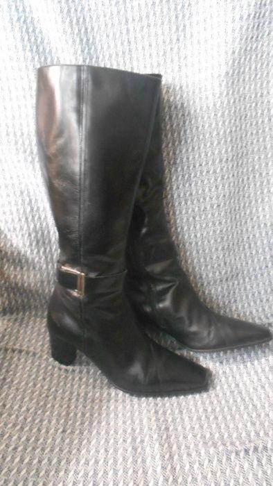 Шикарные кожаные сапоги , цвет черный . бренд clarks Харьков - изображение 1