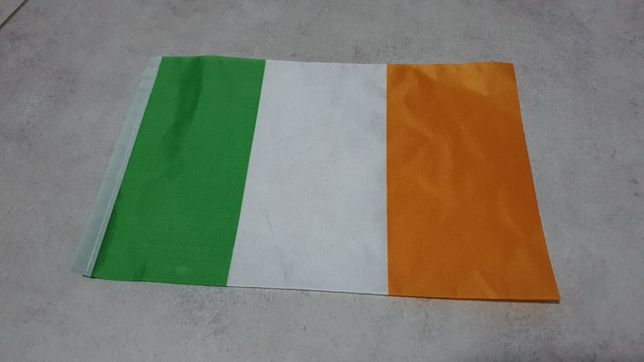 Bandeira pequena Irlanda 23cmx15cm