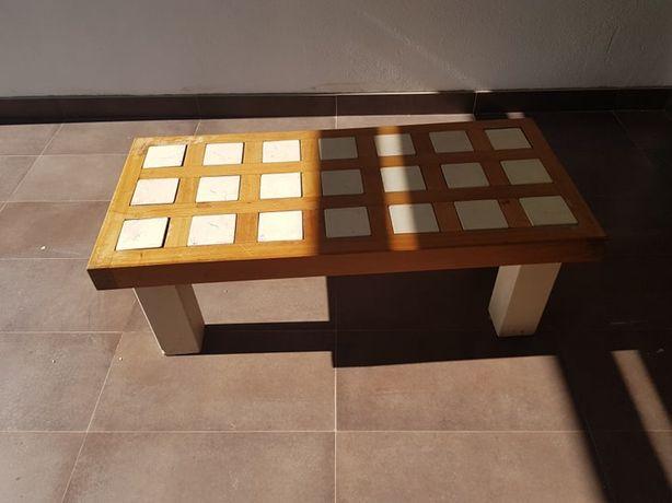 mesa de madeira e marmore