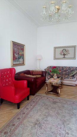 Саксаганского 147/5 отличная  2х уровневая 5-комнатная квартира