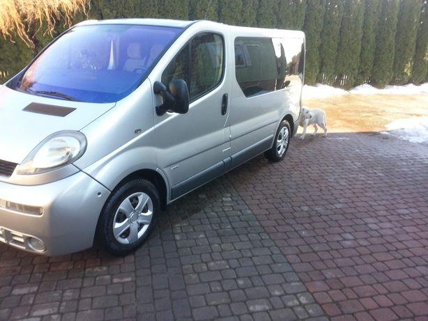 Sprzedam Opel vivaro trafic 1,9  9 osobowy