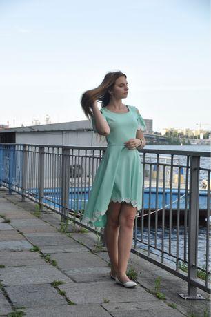 Нарядна довга сукня.