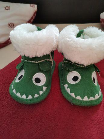 Ciepłe buciki dla dziecka