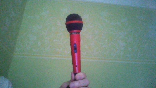 мікрофон з MIDI-роз'ємом