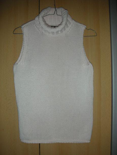 bluzeczka sweterek golf bez rękawów blado różowy