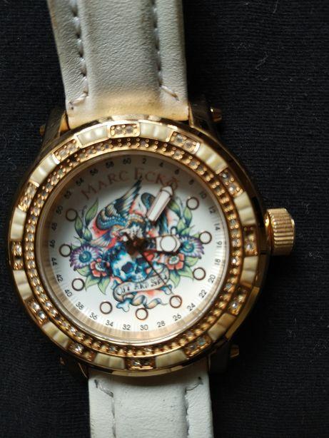 Дизайнерские часы Marc Ecko