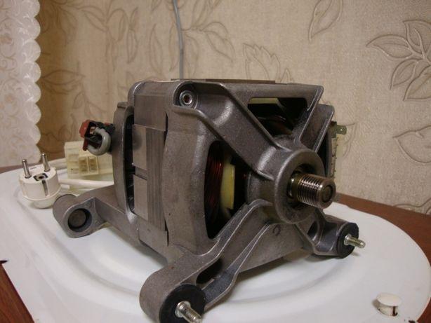 Продам двигун(мотор) для пральної машинки INDESIT/ARISTON.