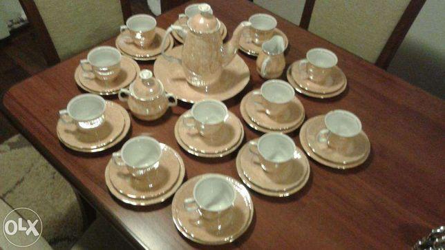 Serwis kawowy z porcelany 100%