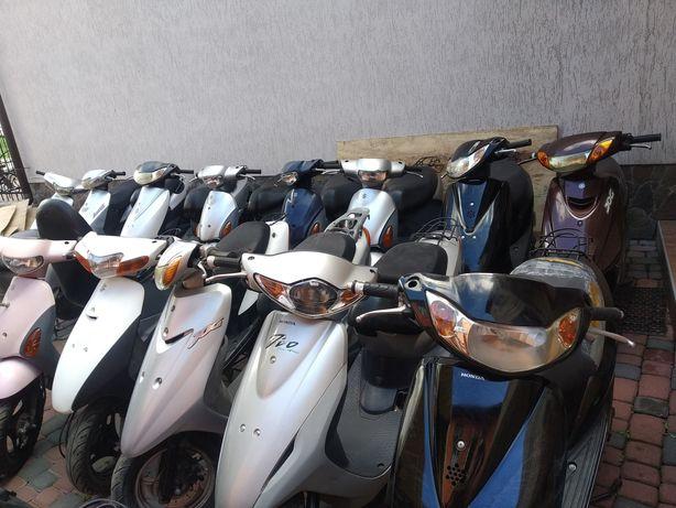 Скутера із Японії