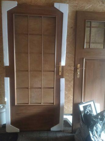 Drzwi DRE - 90 prawe