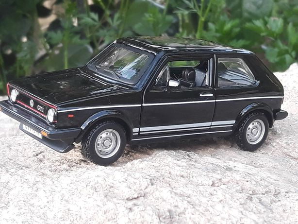 Volkswagen Golf  Mk1 GTI (1979) Escala 1/32