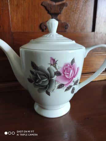 Chińska porcelana - dzbanek do herbaty