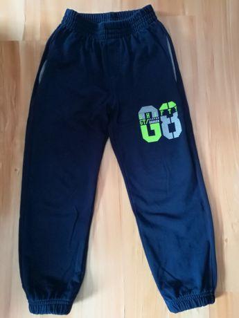 Spodnie firmy GT rozmiar 128