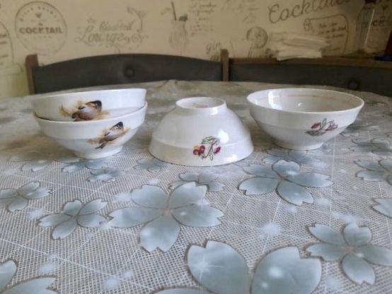 Тарілки, піалки, чашки
