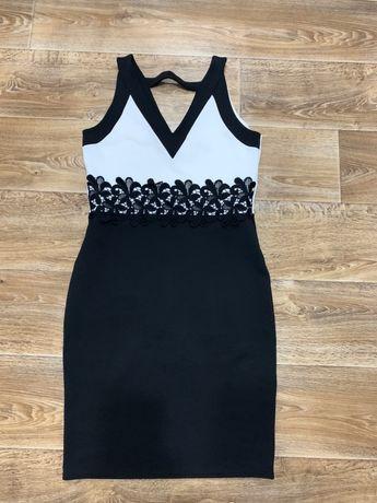 Платье черно-Белое с аппликацией 48-50