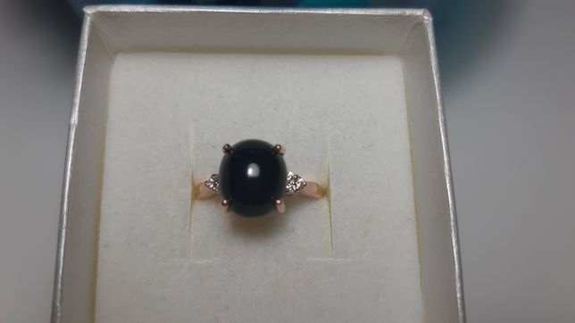 Srebrny pierścionek z czarnym spinelem pozlacany