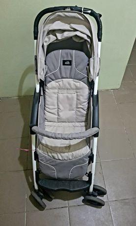 Візочок дитячий, Італія. Вага 8 кг. Виключно зручний для подорожей.