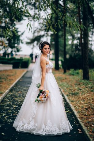 Весільне плаття колір айворі А силует