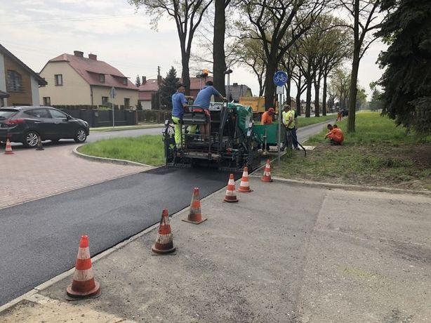 Asfaltowanie , Budowa dróg,roboty drogowe,układanie asfaltu Śląsk